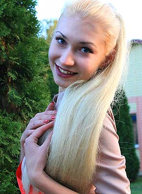 Ukraine bride  Viktoriya 20 y.o. from Marganets, ID 83323