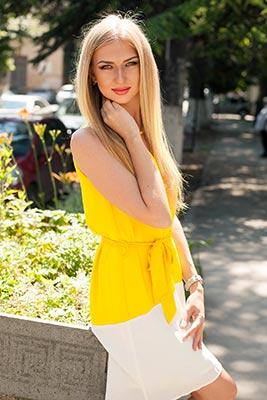Russia bride  Kseniya 23 y.o. from Simferopol, ID 85095