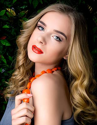 Ukraine bride  Karolina 22 y.o. from Ternopol, ID 76725